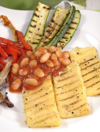 Polenta mit Grillgemüse und Bohnen